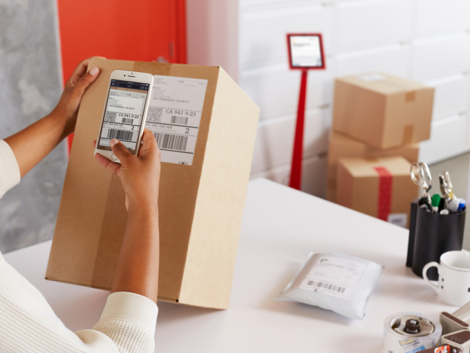 Envoy digitizes another inefficient office chore with new service for deliveries