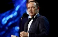 'House of Cards' production halted 'until further notice' in response to Kevin Spacey allegations