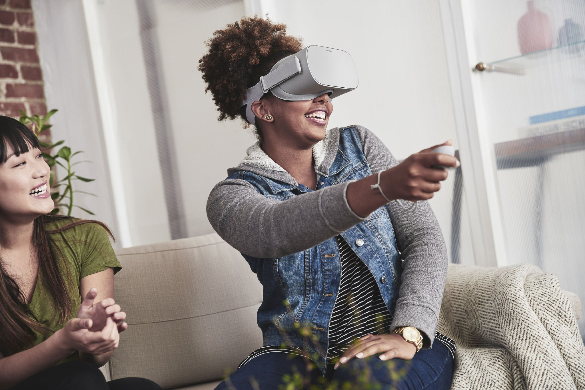 Oculus announces the standalone $199 Oculus Go, and the Oculus Rift is now cheaper