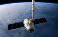 SpaceX will fly cargo to the moon for NASA