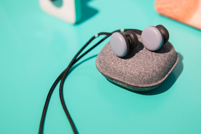 Hands-on with the $159 Google Pixel Buds