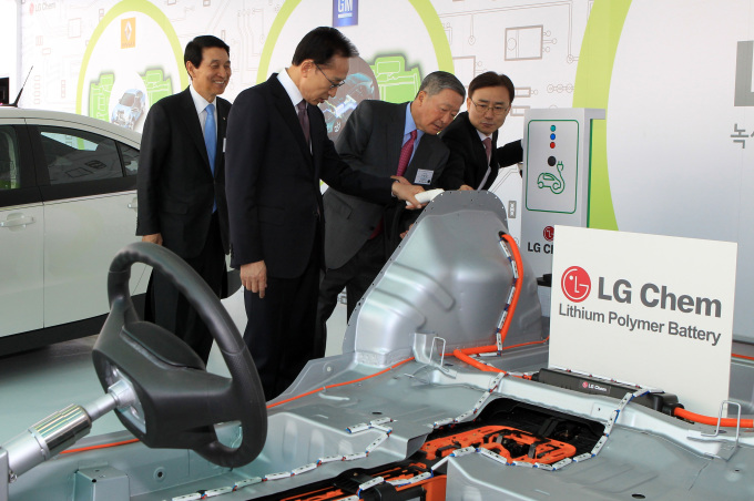 LG to open Europe's largest EV battery factory in Poland next year