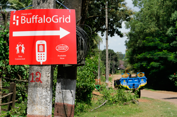 LocalGlobe-backed BuffaloGrid lets people charge their smartphone in off-grid locations