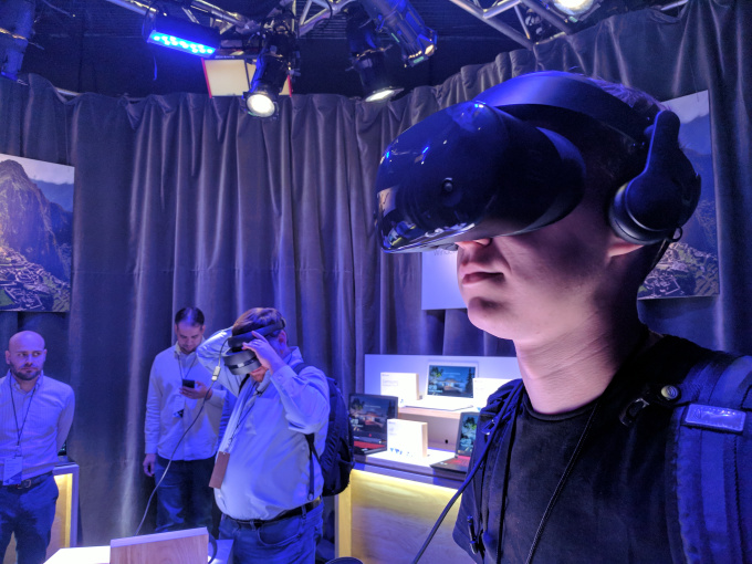 Hands-on with Samsung's Odyssey VR headset for Windows 10