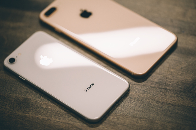 Apple is looking into reports of iPhone 8 batteries swelling