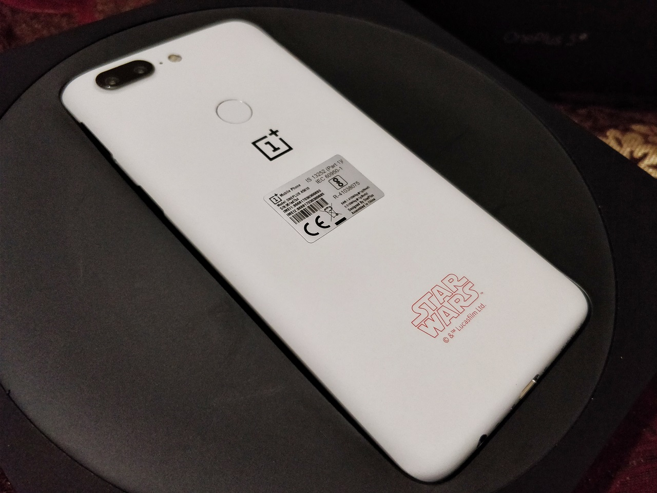 This OnePlus 5T Limited Edition is a perfect memorabilia for Star Wars fanatics