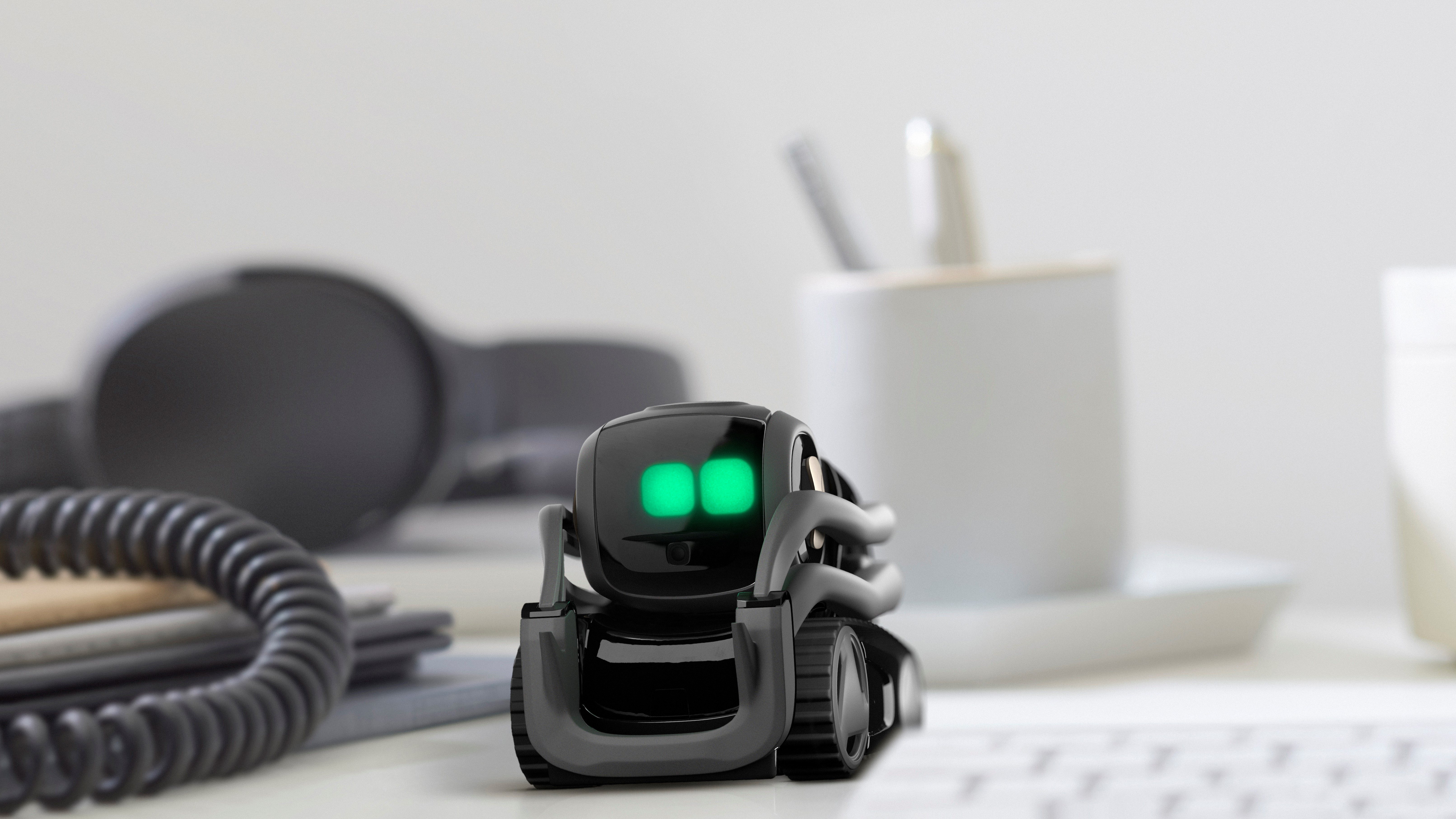 Anki Vector SDK lets you get under the skin of cute home robot